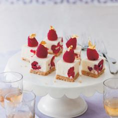 White Chocolate & Raspberry cheesecakes from Mini Cakes by Hannah Miles