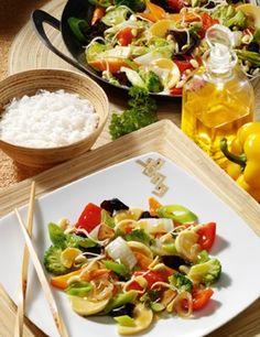 Heute mal asiatisch? Die besten Wok-Rezepte: http://www.gofeminin.de/kochen-backen/wok-rezepte-d60076.html  #wokrezepte #asiaküche