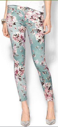 floral skinny pants http://rstyle.me/n/jjevvr9te