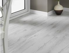 This lovely white laminate floor looks just like freshly-fallen snow!