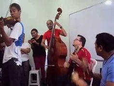 Salvador Hernández Junto a los maestros Juan Ernesto Laya, Henry Linares...
