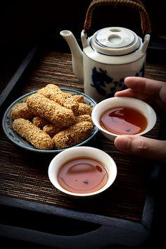 Drinking Chinese tea
