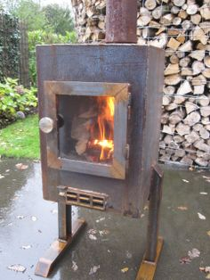Wood Stove Heater, Diy Wood Stove, Stove Oven, Mini Stove, Heating Furnace, Ammo Cans, Wood Stoves, Wood Fired Oven, Rocket Stoves