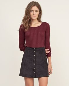 Womens Ribbed Crew Tee | A basic knit layer with a relaxed crew neck, featuring all-over ribbed texture and curved hem, Easy Fit | Abercrombie.com