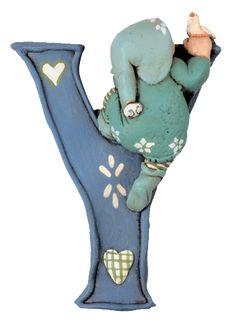 Alfabeto con duendecillos de cerámica.