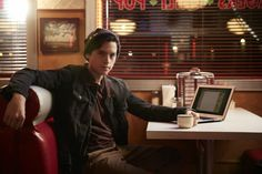 I find Cole Sprouse as a sulking Jughead Jones very cute