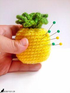 Pineapple Pincushion Crochet Pattern - A place to put your pins Crochet Crafts, Crochet Yarn, Crochet Projects, Sewing Projects, Crochet Pincushion, Pineapple Crochet, Handmade Home, Pin Cushions, Easy Diy