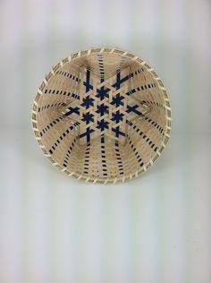 Star of David Basket Weaving Projects, Weaving Art, Wire Weaving, Basket Weaving Patterns, Bamboo Art, Willow Weaving, Basket Crafts, Bamboo Basket, Knit Basket