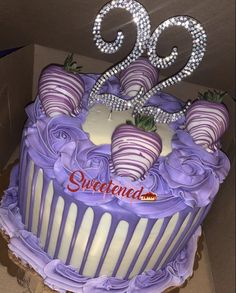 21st Bday Cake, Queens Birthday Cake, 22nd Birthday Cakes, Creative Birthday Cakes, Sweet 16 Birthday Cake, Special Birthday Cakes, Custom Birthday Cakes, Adult Birthday Cakes, Beautiful Birthday Cakes
