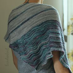 The Girl from the Grocery Store by Joji Locatelli, knitted by LundenKnit | malabrigo Mechita in Pearl and Lotus