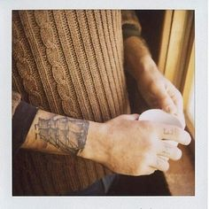 http://tattoo-ideas.us/wp-content/uploads/2014/01/Beautiful-Wrist-Tattoo.jpg Beautiful Wrist Tattoo #Armtattoos, #BlackInk, #Classictattoos, #Cutetattoos, #Guys, #Handtattoos, #Wristtattoos
