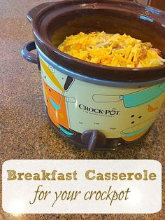 Easy crockpot breakfast casserole recipe everyone loves for brunch and during Christmas. Slow cooker breakfast that's layered with cheese, bacon and more. Slow Cooker Breakfast, Crockpot Breakfast Casserole, Breakfast Dishes, Breakfast Recipes, Breakfast Ideas, Breakfast Cassarole, Breakfast Snacks, Bean Casserole, Morning Breakfast