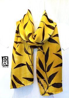 Bufanda de seda pintados a mano. Pañuelo de por SilkScarvesTakuyo, $120.00