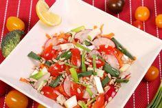 Reteta de Salata Vitality cu telina si seminte poate fi gustarea sau pranzul perfect intr-o zi calduroasa de vara. Usor de preparat, gata in doar cateva minute, te va incanta cu textura sa crocanta si gustul racoritor. Combinatia de legume clasice de salata cu morcovul, radacina de telina proaspat curatata si Nicu, Caprese Salad, Food, Salads, Insalata Caprese, Hoods, Meals