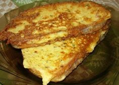Great Breakfast — Cheese toast with «Italian herbs Crouton Recipes, Good Food, Yummy Food, Delicious Recipes, Cheese Toast, Just Cooking, French Toast, Sandwiches, Food Porn