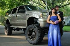 Lifted Super Duty Ford trucks even go to prom :-) sweet!