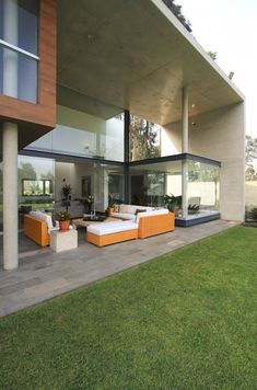 S House by Domenack Arquitectos (1)