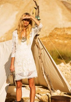 wedding-spell-and-the-gypsy-collective-byron-bay-bridal-gown-honeymoon62