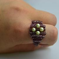 Seed beading instructions- simple square beaded ring