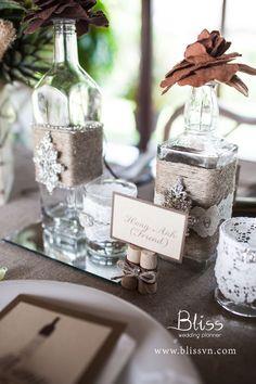Đám cưới ngoài trời phong cách Rustic - Bliss Wedding Planner  Rustic wedding ideas by Bliss Wedding Planner  #ytuongcuoi #trangtritieccuoi #weddingideas #rusticwedding #blissweddingplanner