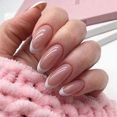 Popular Nail Designs Ideas For Your Inspiration French Tip Acrylic Nails, White Tip Nails, Almond Acrylic Nails, Best Acrylic Nails, Subtle Nails, Soft Nails, Neutral Nails, Pink Nails, Chic Nails
