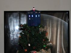 tardis-tree-topper