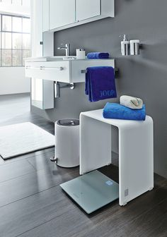 JOOP Bad Accessoires bringen auch Glamour in Ihr Badezimmer! http://www.handtuch-welt.de/Unsere-Marken/JOOP/JOOP-Accessoires/