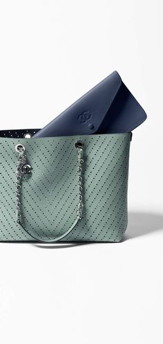 Spring-Summer 2016 Pre-collection - perforated grained calfskin-green & navy blue
