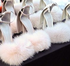 SHOP TIP: Faux Fur shoes zijn een musthave voor alle daredevils! | I LOVE FASHION NEWS