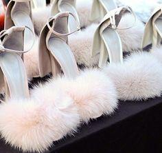 SHOP TIP: Faux Fur shoes zijn een musthave voor alle daredevils! | I LOVE FASHION NEWS