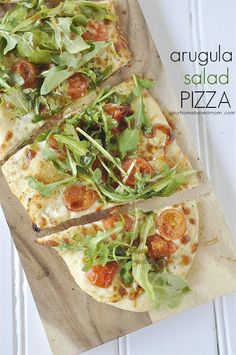 Arugula Salad Pizza Recipe = the perfect way to enjoy your pizza and salad at the same time! - your homebased mom