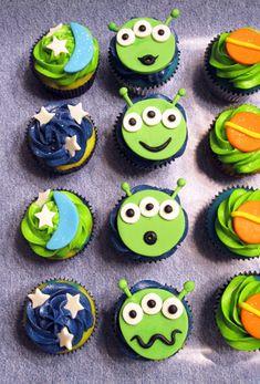 Alien Cupcakes by Caroline'sCreations, via Flickr