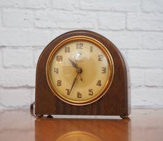 "Warren Telechron ""The Snug"" Electric Desk Clock Model 3H95 / WW2 Era Art Deco Clock by FireflyVintageHome on Etsy"