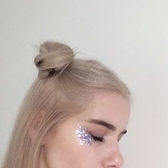 ppolishprincess: glitter princess makeup n hair yday looks really lovely Makeup Inspo, Makeup Inspiration, Beauty Makeup, Eye Makeup, Hair Makeup, Hair Beauty, Alien Makeup, Makeup Hairstyle, Makeup Style