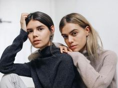 Joanna & Sarah Halpin, shot by Dean Martindale Fashion Photography Inspiration, Portrait Inspiration, Photoshoot Inspiration, Friend Poses Photography, Portrait Photography, Friendship Photography, Sister Poses, Fashion Poses, How To Pose