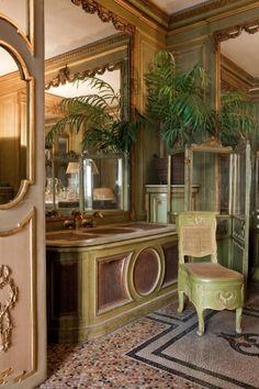 Salle de bain de la chambre de Monsieur plante