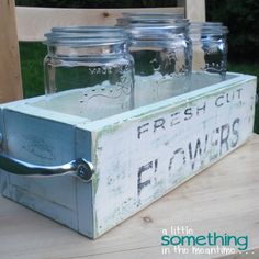 Shabby chic: DIY Mason Jar planter box