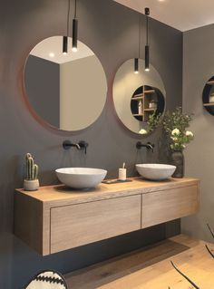 modern bathroom with floating vanity and twin sinks Modernes Badezimmer mit schwimmendem Waschtisch und zwei Waschbecken – Bathroom Furniture, Bathroom Interior Design, Modern Bathroom Design, Oak Bathroom Furniture, Wall Mount Faucet Bathroom, Sink Countertop, Amazing Bathrooms, Luxury Bathroom, Bathroom Decor