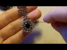Sidonias handmade jewelry - How to bezel an Swarovski chaton. Tutorial on how to bezel an Swarovski chaton Materials used: Swarovski 1028 Xilion (app. Rocaille Miyuki 150 and 110 - Free Beading Tutorials, Seed Bead Tutorials, Jewelry Making Tutorials, Necklace Tutorial, Earring Tutorial, Seed Bead Jewelry, Cute Jewelry, Jewelry Ideas, Rock Jewelry