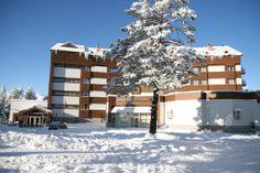 Ankara Üniversitesi - Ilgaz ÖRSEM Sosyal Tesisi - 74 oda kapasiteli olup, tam pansiyon (günde üç öğün açık büfe yemek ile) hizmet vermektedir. Kayak merkezine ve teleferiğe 50 m uzaklıkta olan tesisin içerisinde kayak ve snowboard için gerekli malzemeler bulunmaktadır. Ayrıca 150 kişilik konferans salonu, 50 kişilik toplantı salonu mevcuttur