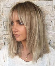 Ash blonde lob with bangs Blonde Lob With Bangs, Medium Ash Blonde Hair, Ash Blonde Hair Dye, Blonde Hair Shades, Medium Short Hair, Short Hair With Bangs, Haircuts With Bangs, Medium Hair Cuts, Long Hair Cuts