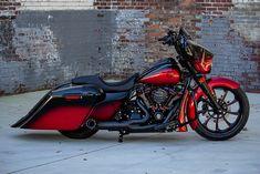 Custom Motorcycle Paint Jobs, Motorcycle Types, Motorcycle Bike, Harley Davidson Street Glide, Harley Davidson Bikes, Custom Street Glide, Harley Bikes, Harley Gear, Street Glide Special