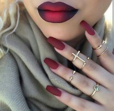 Not sure what catches my eye more the nailz or the lips....both are so beautiful