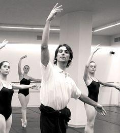 ¿Quién es Igor Yebra, el candidato a dirigir el Ballet? Uruguay