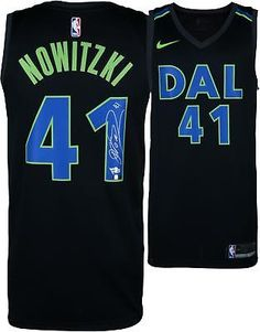Autographed Dirk Nowitzki Mavericks Jersey Fanatics Authentic COA  Item 8638527  Basketball 9674c096b