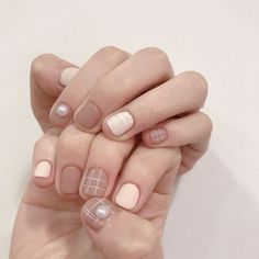 What manicure for what kind of nails? What manicure for what kind of nails? Chic Nails, Stylish Nails, Swag Nails, Chic Nail Art, Gel Nail Art, Gel Nails, Wide Nails, Korean Nail Art, Nails Only