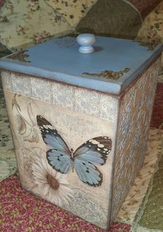 Екатерина Лисопес Decoupage Furniture, Decoupage Box, Decoupage Vintage, Dyi Crafts, Wood Crafts, Unfinished Wood, Wooden Blocks, Bottle Art, Vintage Wood