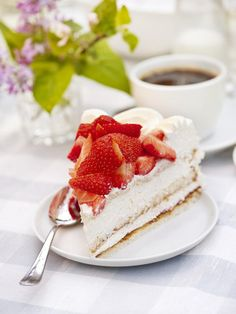 Sweden's national cake, Strawberry cake.