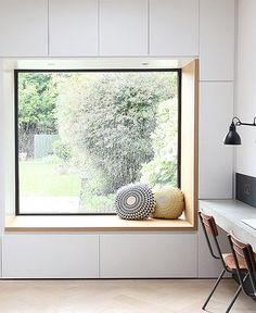 reading nook with a garden view / sfgirlbybay / victoria smith – fantastic room avesome Window Seat Storage, Window Benches, Modern Window Seat, Kitchen With Window Seat, Window Seat Cushions, Edwardian House, Bedroom Windows, Bay Windows, Window Design