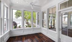 Browse photos of sunroom designs and also design. Discover ideas for your 4 periods room enhancement, consisting of inspiration for sunroom decorating and layouts. Back Porch Designs, Sunroom Decorating, Sunroom Ideas, Porch Ideas, Four Seasons Room, Three Season Room, Shiplap Ceiling, Ceiling Fan, Home Porch